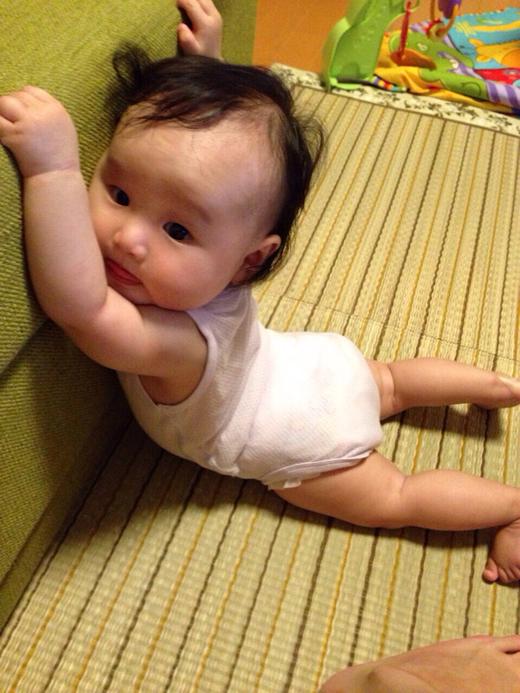 ママ助けて~!!の赤ちゃん写真