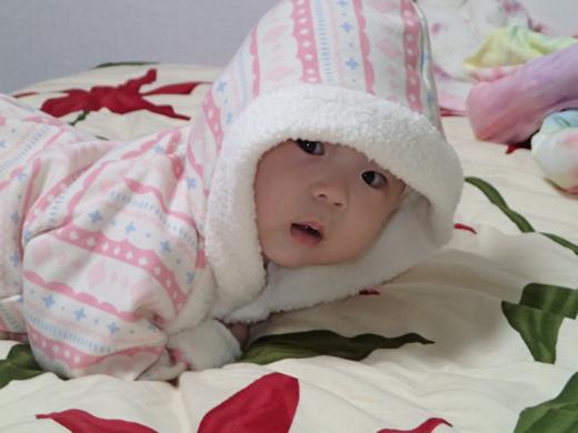 ゴロンしたの見たの赤ちゃん写真