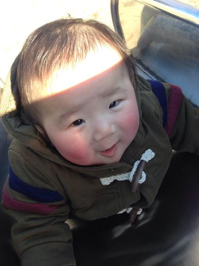 はじめてのすべりだいの赤ちゃん写真