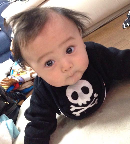 ヒヨコ口の赤ちゃん写真