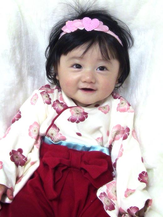 初節句でおめかしの赤ちゃん写真