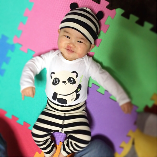 しゅ、囚人パンダですって?!の赤ちゃん写真