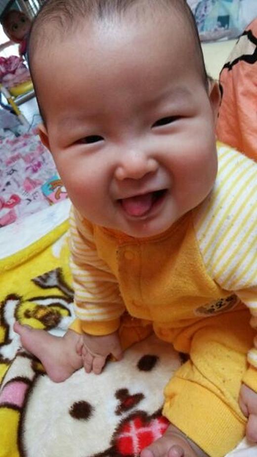 てへペロっ!の赤ちゃん写真