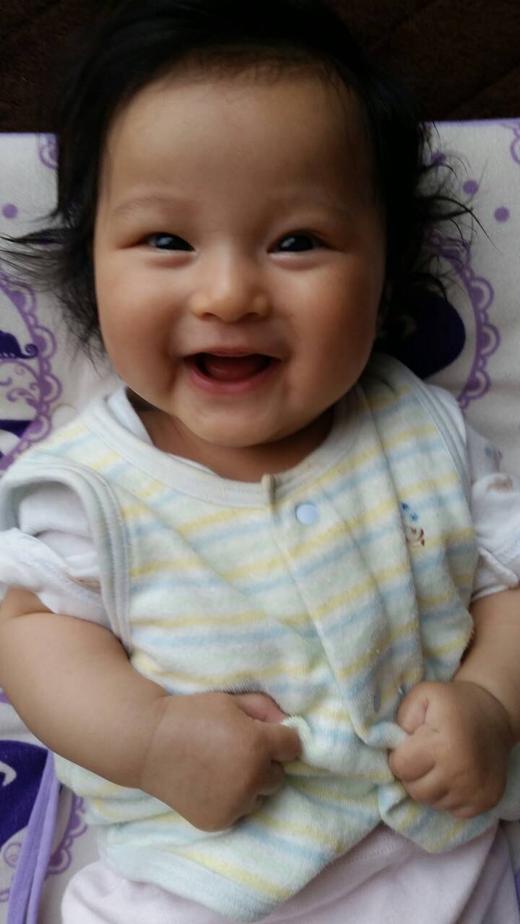 暑くて笑っちゃう!の赤ちゃん写真