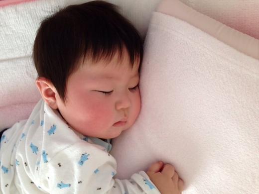 抱き枕♪の赤ちゃん写真