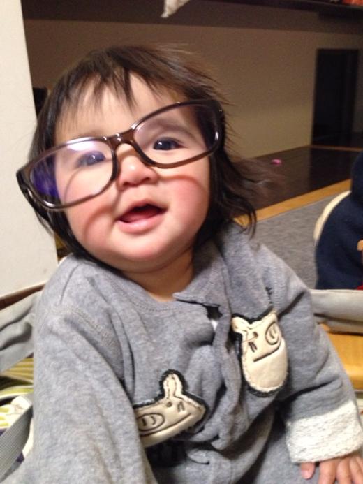 キャリアウーマンの赤ちゃん写真