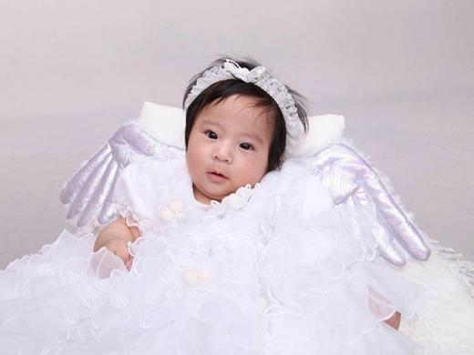 我が家の天使の赤ちゃん写真
