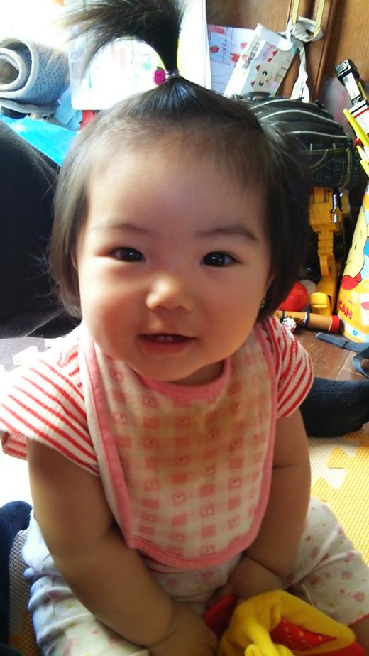 笑顔でパチリの赤ちゃん写真