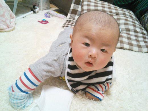 ごはんまだぁ~の赤ちゃん写真