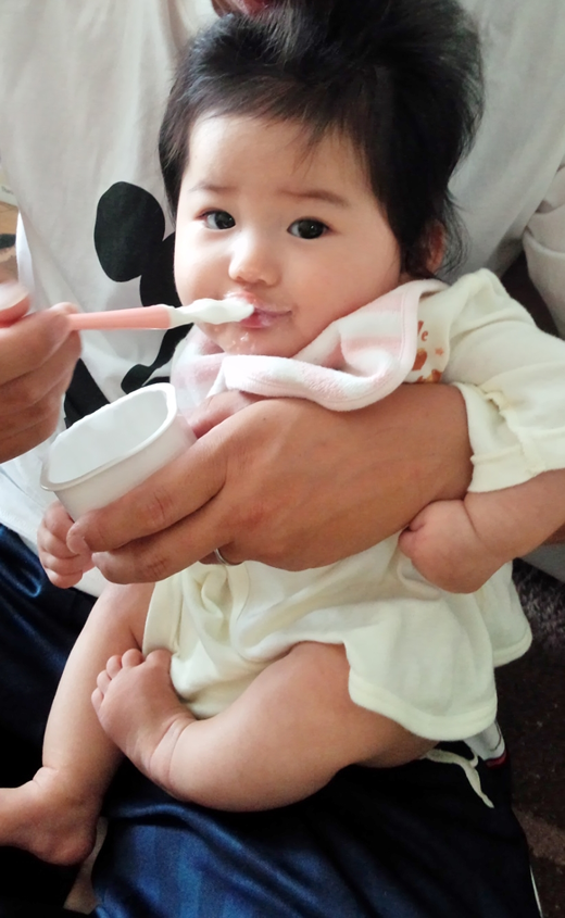 いつだってカメラ目線★の赤ちゃん写真